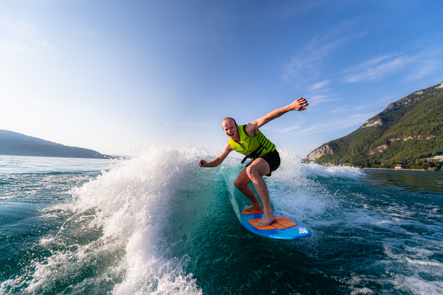 Wake surf - Lac d'Annecy